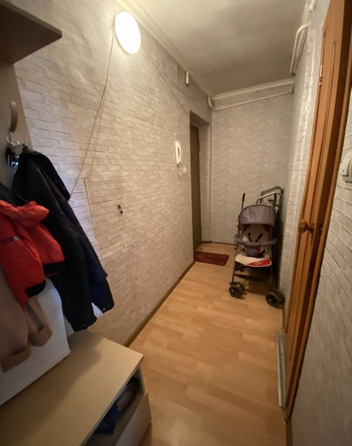 Продажа двухкомнатной квартиры поселок Глебовский, Октябрьская улица 61, цена 2700000 рублей, 2021 год объявление №463941 на megabaz.ru