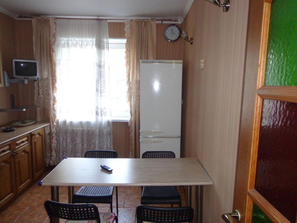Аренда трёхкомнатной квартиры поселок Поведники, Санаторная улица, цена 35000 рублей, 2021 год объявление №1045535 на megabaz.ru