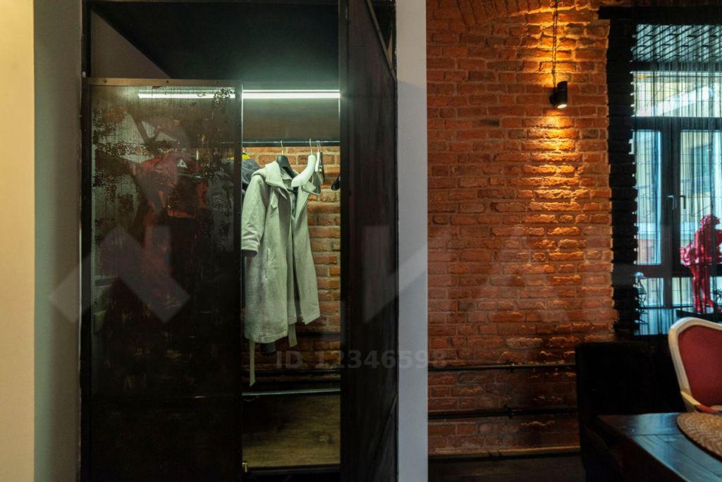 Аренда трёхкомнатной квартиры Москва, метро Кузнецкий мост, Варсонофьевский переулок 4с1, цена 215000 рублей, 2020 год объявление №1008268 на megabaz.ru
