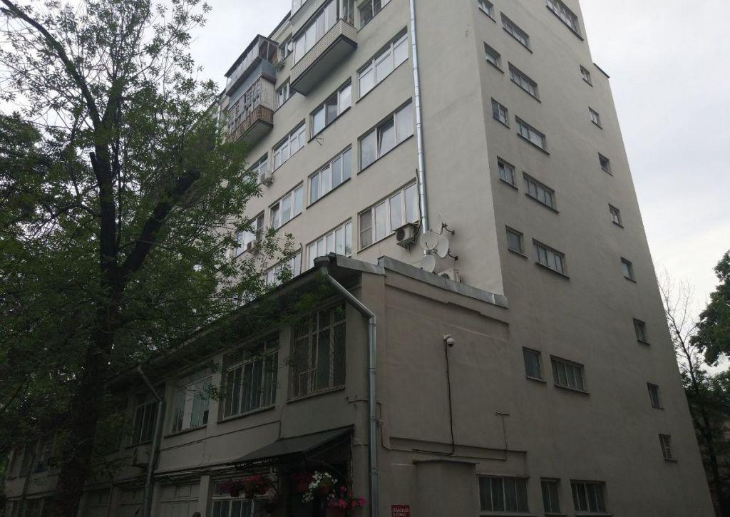 Продажа двухкомнатной квартиры Москва, метро Кропоткинская, Гоголевский бульвар 8, цена 26500000 рублей, 2020 год объявление №469776 на megabaz.ru