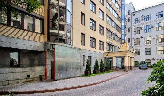 Аренда двухкомнатной квартиры Москва, метро Арбатская, Филипповский переулок 13с2, цена 275000 рублей, 2021 год объявление №1272251 на megabaz.ru