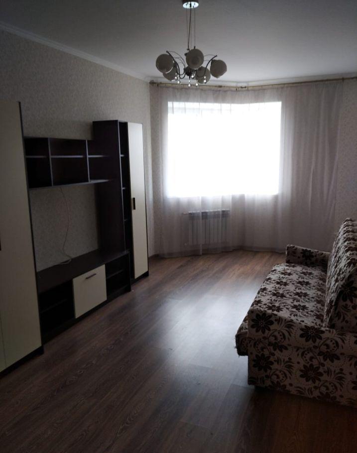 Аренда двухкомнатной квартиры Звенигород, Нахабинское шоссе 1к1, цена 25000 рублей, 2020 год объявление №1224673 на megabaz.ru
