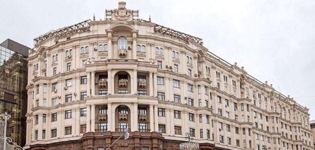 Аренда пятикомнатной квартиры Москва, метро Театральная, Тверская улица 9, цена 15500 рублей, 2021 год объявление №1123511 на megabaz.ru