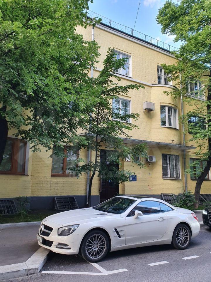 Продажа двухкомнатной квартиры Москва, метро Кропоткинская, 2-й Обыденский переулок 10, цена 26500000 рублей, 2020 год объявление №488240 на megabaz.ru