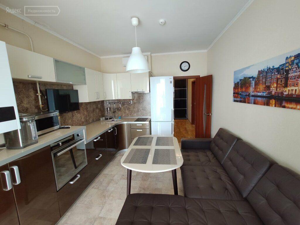 Аренда двухкомнатной квартиры деревня Чёрная, Европейская улица 8, цена 35000 рублей, 2021 год объявление №1159977 на megabaz.ru