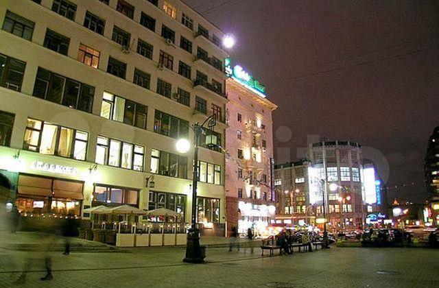 Аренда двухкомнатной квартиры Москва, метро Театральная, Камергерский переулок 2с1, цена 4000 рублей, 2021 год объявление №1072090 на megabaz.ru