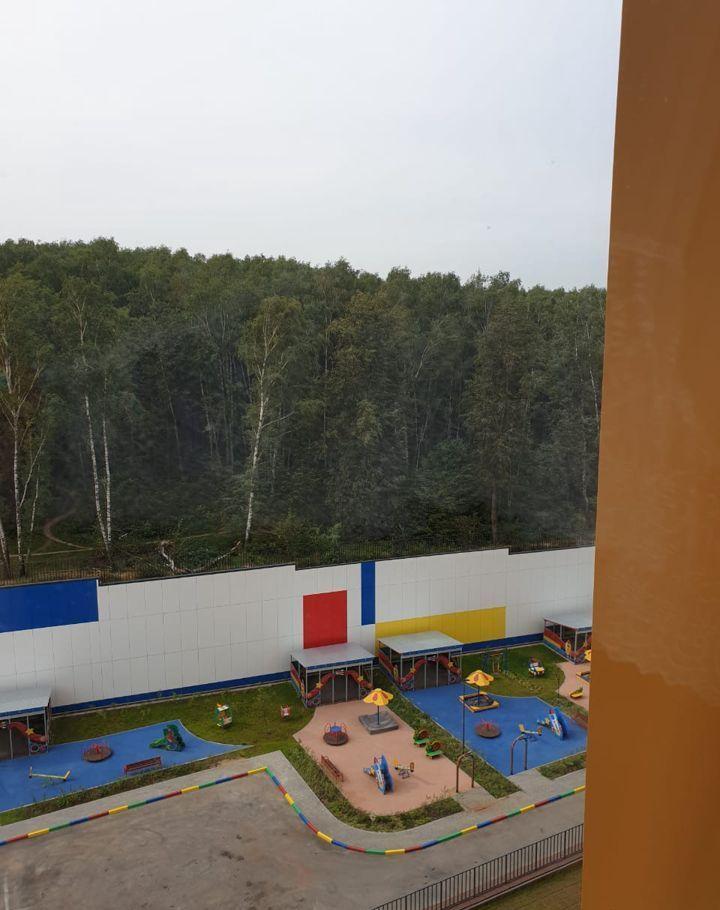 Аренда двухкомнатной квартиры деревня Раздоры, метро Строгино, улица Липовой Рощи 2к2, цена 42000 рублей, 2021 год объявление №1204458 на megabaz.ru