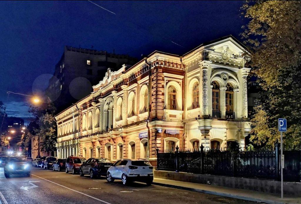 Продажа студии Москва, метро Кропоткинская, Гоголевский бульвар 5с1, цена 10490000 рублей, 2021 год объявление №603739 на megabaz.ru