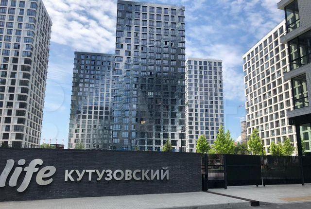 Продажа двухкомнатной квартиры Москва, метро Кунцевская, Гжатская улица 5к4с1, цена 17300000 рублей, 2021 год объявление №574403 на megabaz.ru
