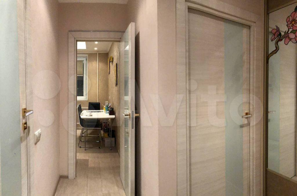 Продажа однокомнатной квартиры Москва, метро Волоколамская, Пятницкое шоссе 11к1, цена 10700000 рублей, 2021 год объявление №588343 на megabaz.ru