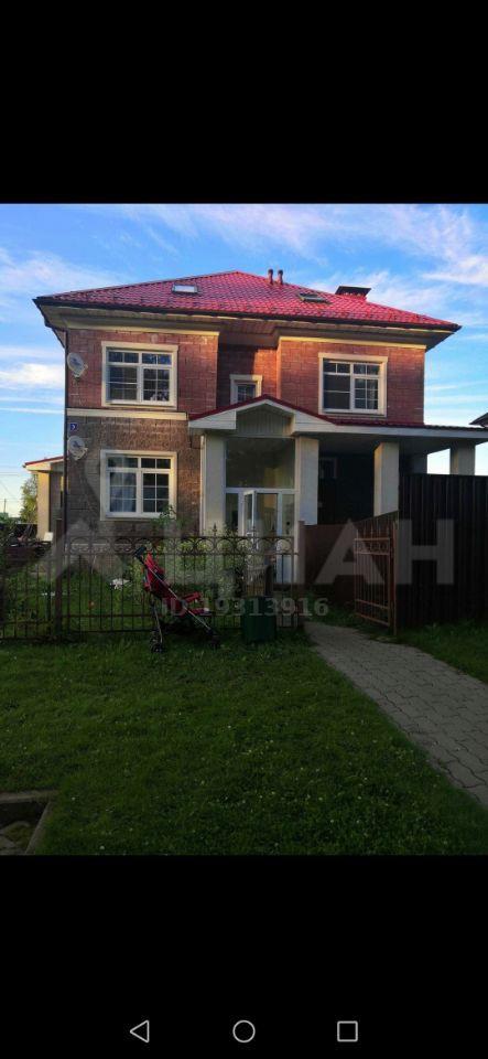 Продажа трёхкомнатной квартиры село Озерецкое, Никольская улица 5, цена 4550000 рублей, 2021 год объявление №473690 на megabaz.ru