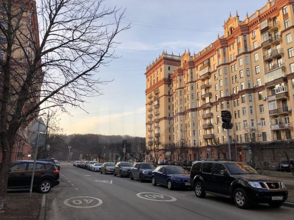 Продажа двухкомнатной квартиры Москва, метро Фрунзенская, 3-я Фрунзенская улица 6, цена 24000000 рублей, 2020 год объявление №373765 на megabaz.ru