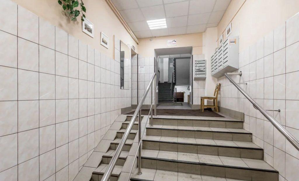 Продажа трёхкомнатной квартиры Москва, метро Фрунзенская, Фрунзенская набережная 40, цена 60000000 рублей, 2021 год объявление №561103 на megabaz.ru