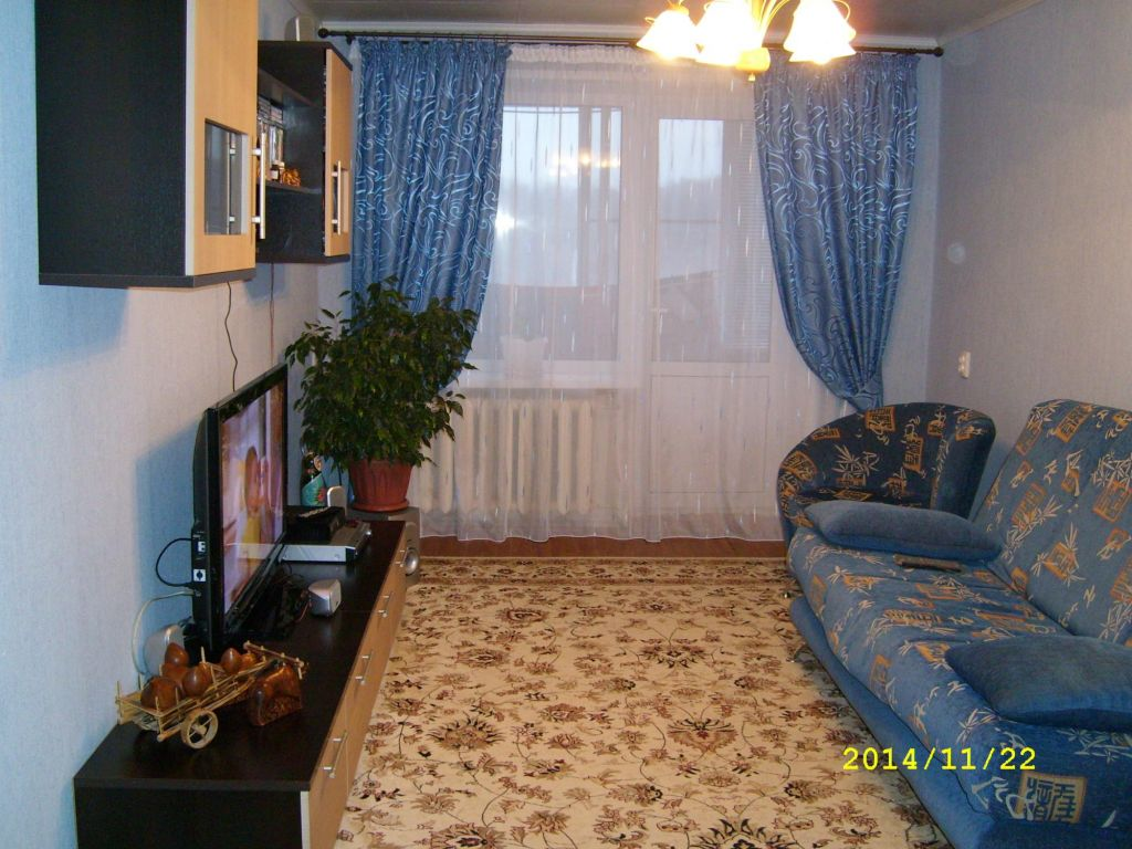 Продажа трёхкомнатной квартиры деревня Поповка, цена 3000000 рублей, 2020 год объявление №478373 на megabaz.ru