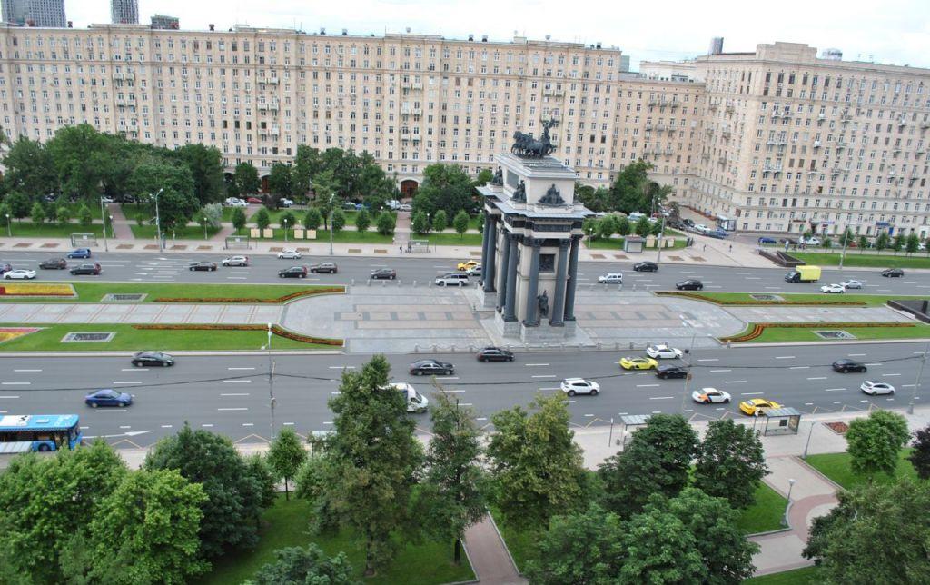 Аренда четырёхкомнатной квартиры Москва, метро Парк Победы, площадь Победы 1, цена 100000 рублей, 2021 год объявление №1180370 на megabaz.ru