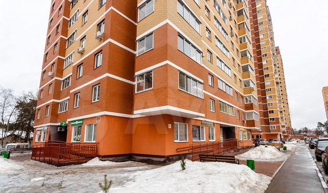 Продажа двухкомнатной квартиры Раменское, Лучистая улица 7, цена 6000000 рублей, 2021 год объявление №582478 на megabaz.ru