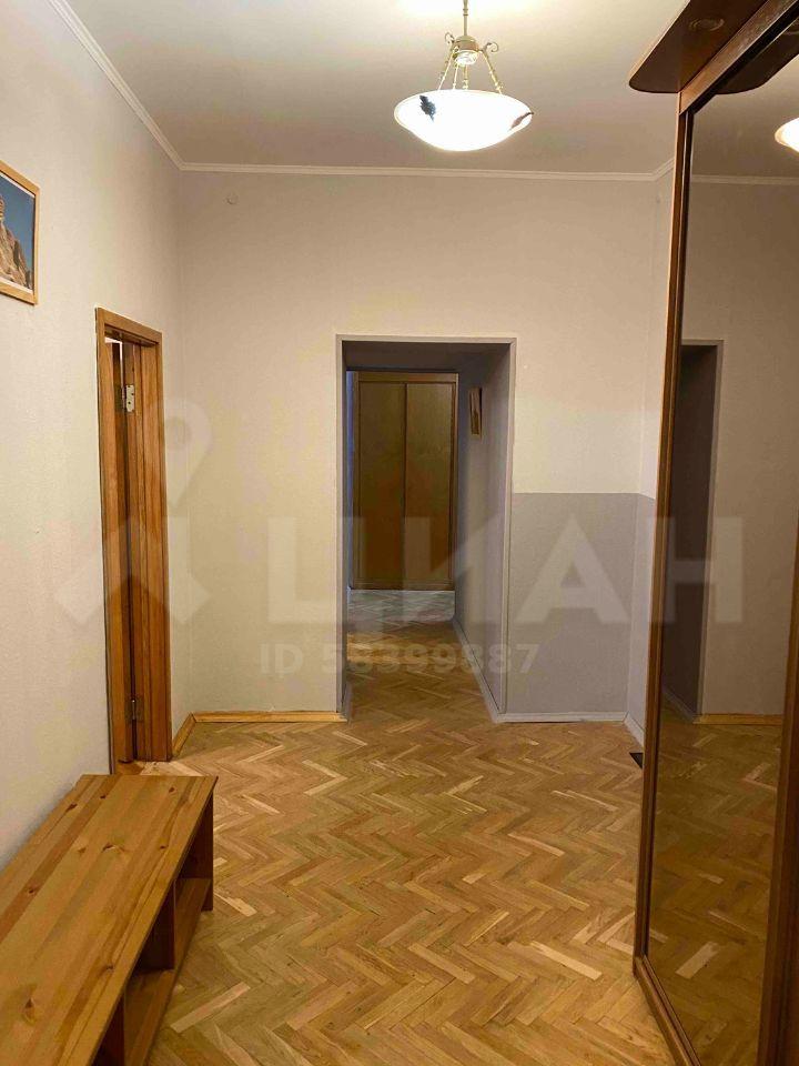 Аренда двухкомнатной квартиры Москва, метро Кропоткинская, Староконюшенный переулок 28с2, цена 100000 рублей, 2020 год объявление №1213446 на megabaz.ru