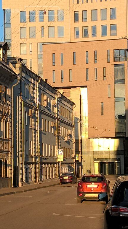 Продажа комнаты Москва, метро Сретенский бульвар, Костянский переулок 9/10, цена 4250000 рублей, 2021 год объявление №483446 на megabaz.ru