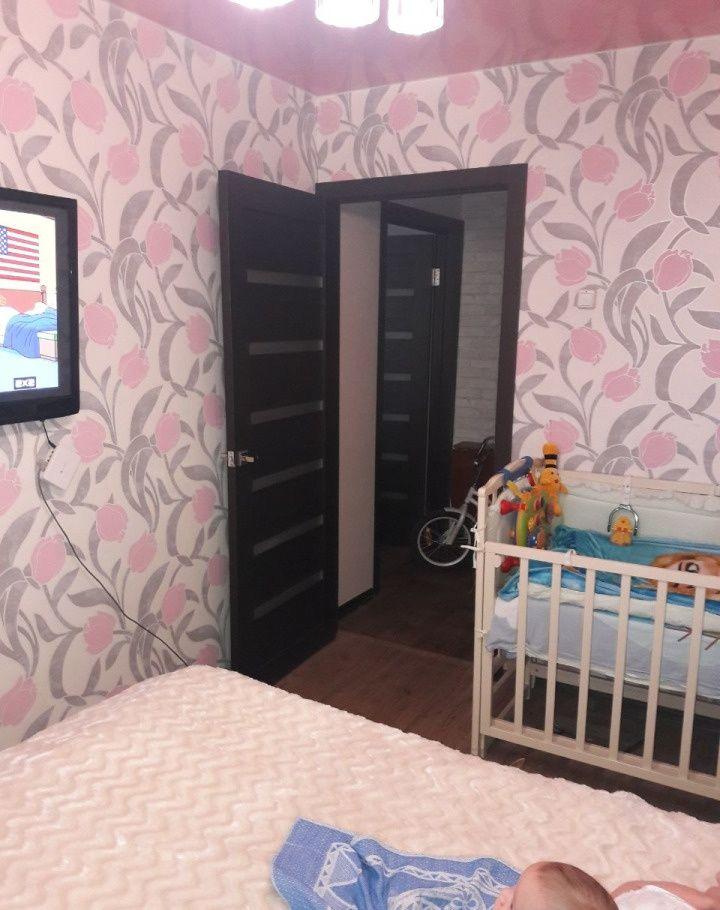 Продажа двухкомнатной квартиры Серпухов, Осенняя улица 19, цена 2800000 рублей, 2020 год объявление №448720 на megabaz.ru