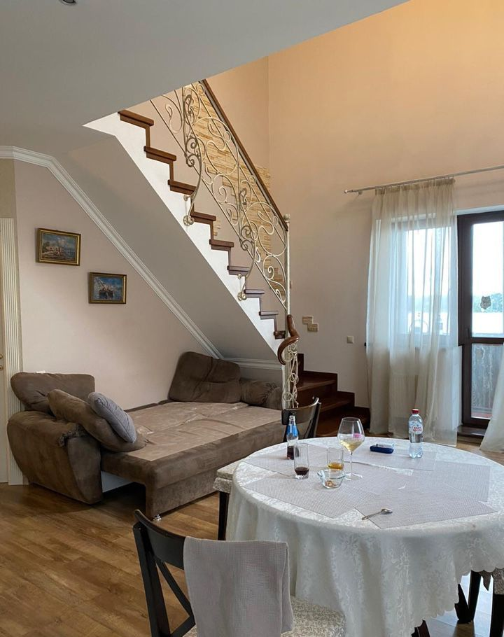 Продажа двухкомнатной квартиры поселок Лесные Поляны, цена 10200000 рублей, 2020 год объявление №486549 на megabaz.ru