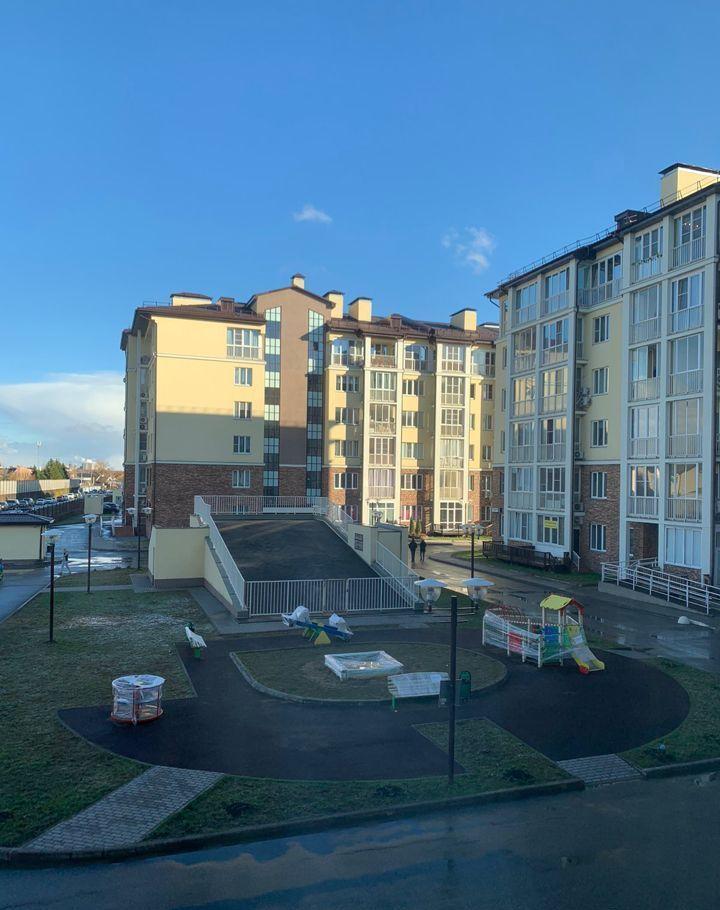 Аренда двухкомнатной квартиры поселок Вешки, Лиственная улица 3, цена 45000 рублей, 2021 год объявление №1179971 на megabaz.ru