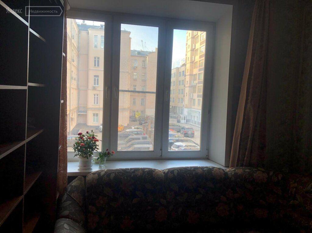 Аренда комнаты Москва, метро Арбатская, Гоголевский бульвар 27, цена 25000 рублей, 2021 год объявление №1360260 на megabaz.ru