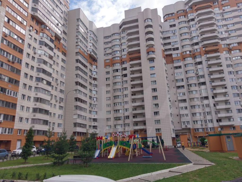 Продажа двухкомнатной квартиры рабочий поселок Новоивановское, Можайское шоссе 50, цена 8750000 рублей, 2021 год объявление №478522 на megabaz.ru