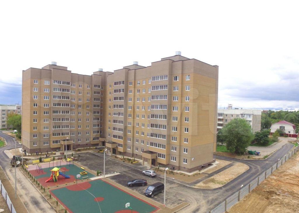Продажа двухкомнатной квартиры поселок Большевик, Молодёжная улица 19, цена 3900000 рублей, 2021 год объявление №616914 на megabaz.ru