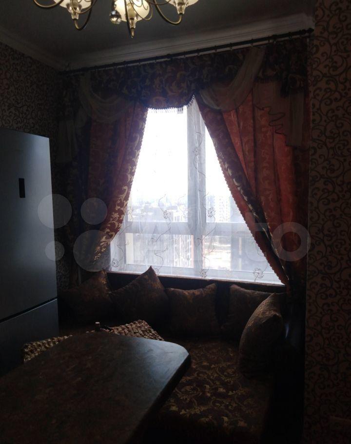 Аренда двухкомнатной квартиры Москва, метро Кузнецкий мост, Сандуновский переулок 3с1, цена 45000 рублей, 2021 год объявление №1387968 на megabaz.ru