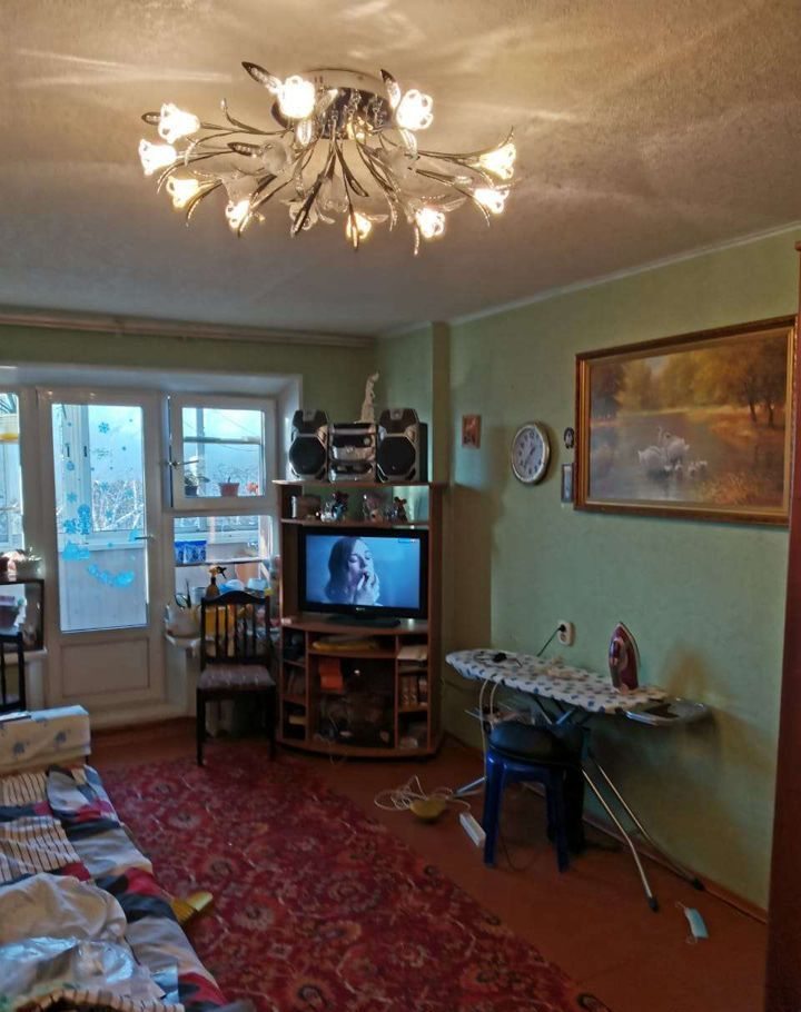 Продажа двухкомнатной квартиры Кашира, Садовая улица 18, цена 2500000 рублей, 2021 год объявление №546024 на megabaz.ru