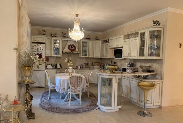Продажа трёхкомнатной квартиры поселок Поведники, Центральная улица 16, цена 28000000 рублей, 2021 год объявление №500335 на megabaz.ru