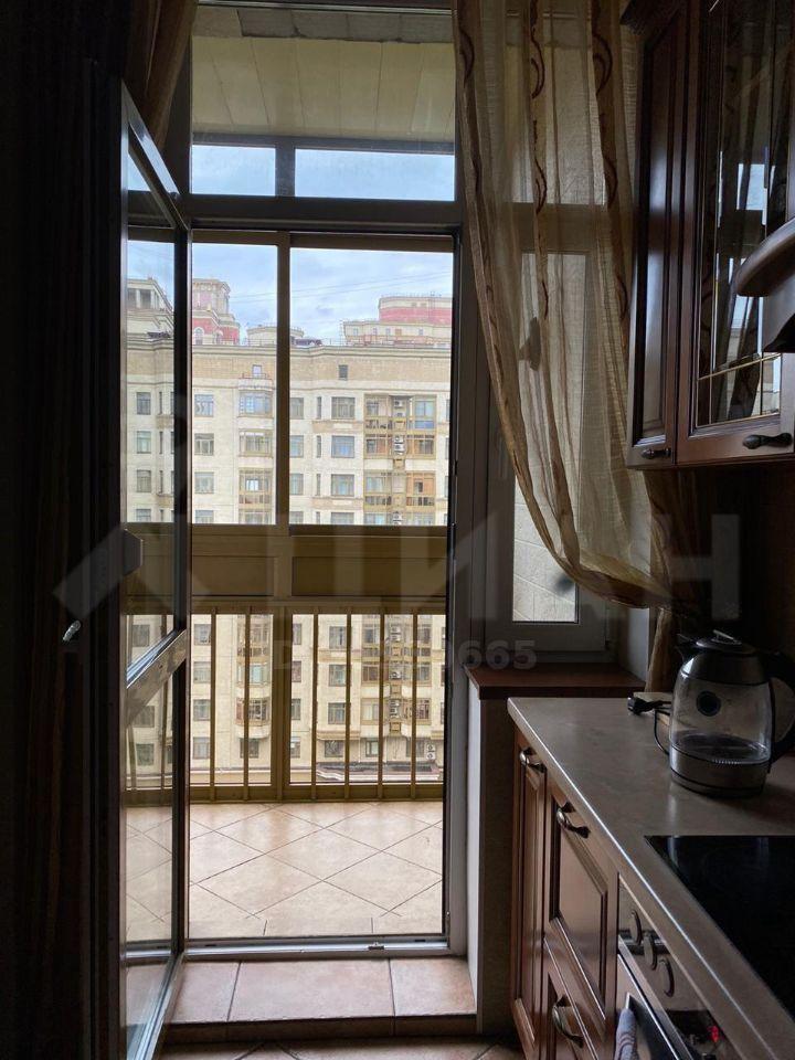 Аренда трёхкомнатной квартиры Москва, Ломоносовский проспект 29к1, цена 120000 рублей, 2020 год объявление №1167509 на megabaz.ru