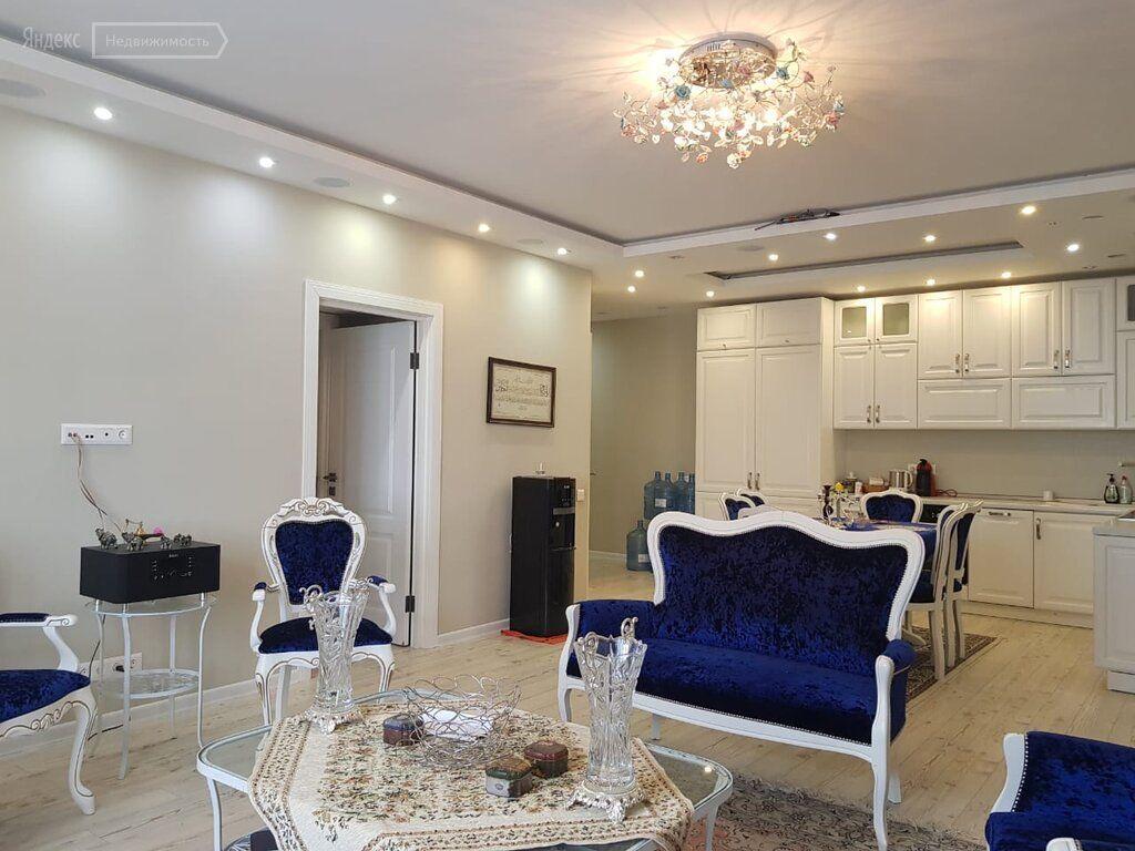 Продажа трёхкомнатной квартиры рабочий поселок Новоивановское, Можайское шоссе 50, цена 13600000 рублей, 2021 год объявление №496332 на megabaz.ru