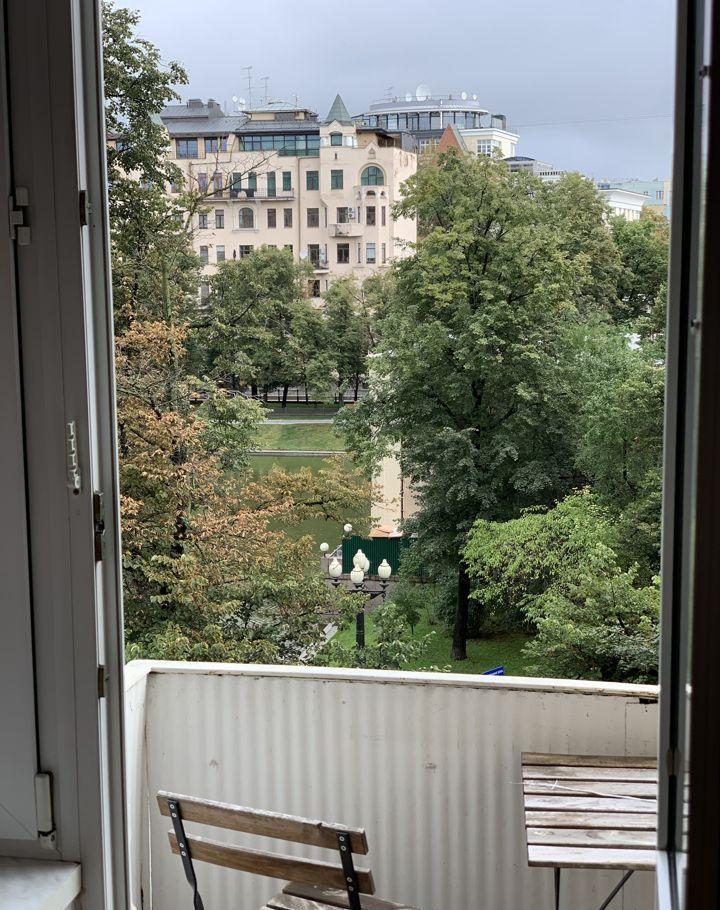 Аренда двухкомнатной квартиры Москва, метро Баррикадная, Малый Патриарший переулок 3, цена 90000 рублей, 2021 год объявление №1216980 на megabaz.ru