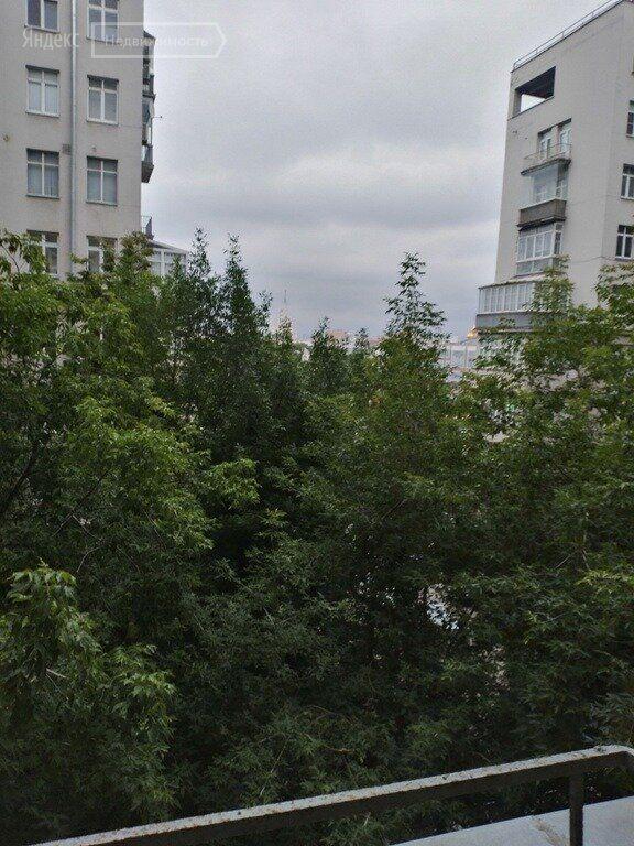 Продажа пятикомнатной квартиры Москва, метро Боровицкая, улица Серафимовича 2, цена 65000000 рублей, 2021 год объявление №498711 на megabaz.ru