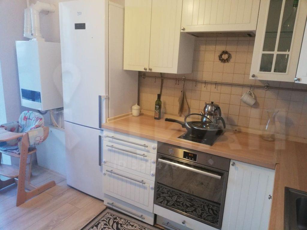 Аренда двухкомнатной квартиры деревня Чёрная, Солнечная улица 8, цена 25000 рублей, 2021 год объявление №1214224 на megabaz.ru