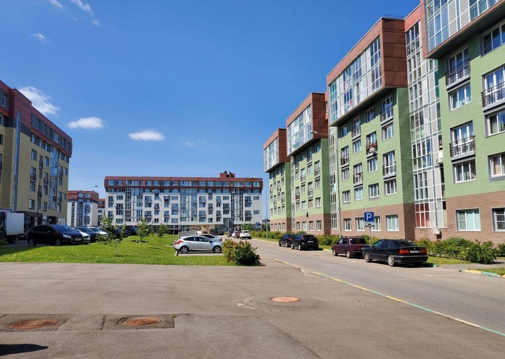 Продажа двухкомнатной квартиры рабочий посёлок Нахабино, улица Королёва 6, цена 7160000 рублей, 2021 год объявление №519461 на megabaz.ru