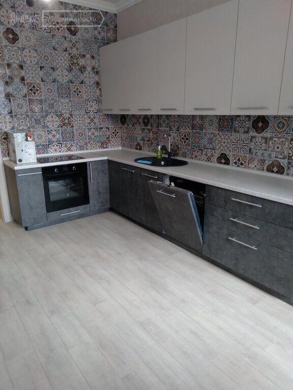Аренда трёхкомнатной квартиры деревня Высоково, цена 40 рублей, 2020 год объявление №1220373 на megabaz.ru