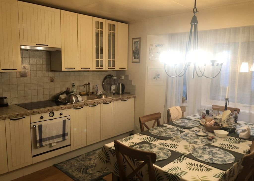 Аренда дома деревня Жуковка, цена 199000 рублей, 2020 год объявление №1243051 на megabaz.ru