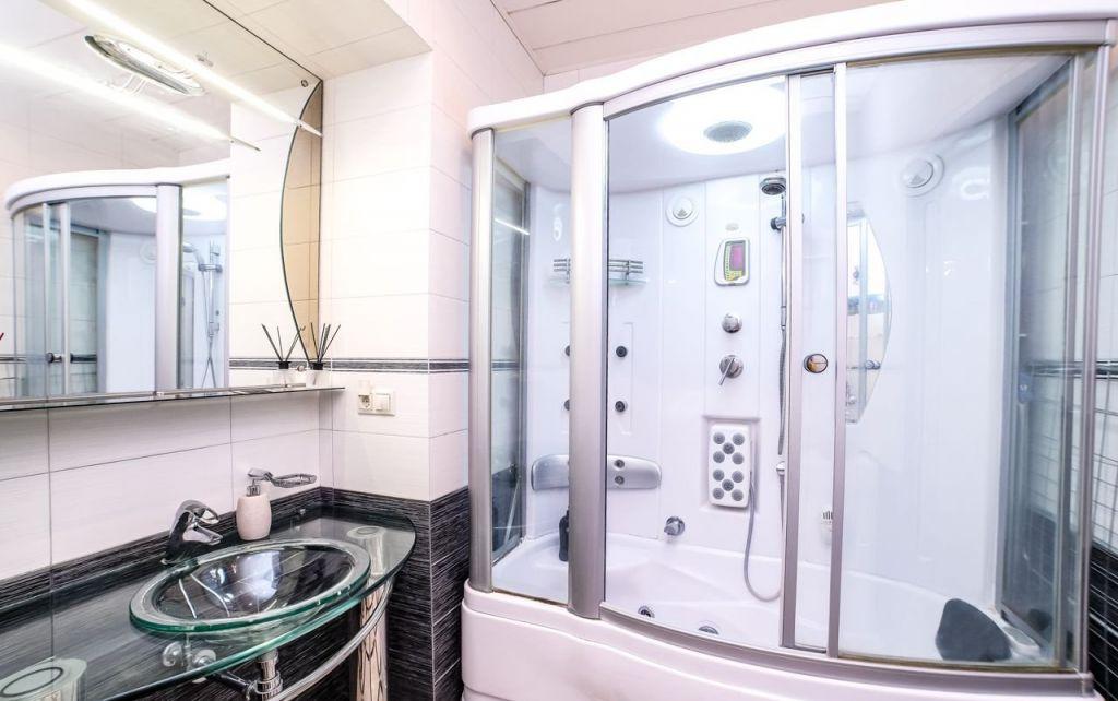 Аренда двухкомнатной квартиры Москва, метро Театральная, Камергерский переулок 2, цена 45000 рублей, 2021 год объявление №1021360 на megabaz.ru