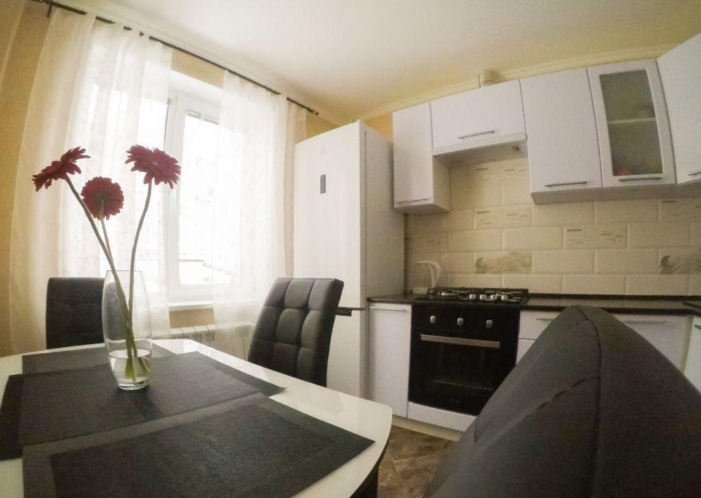 Аренда однокомнатной квартиры Кубинка, Армейская улица 11, цена 27000 рублей, 2021 год объявление №1232452 на megabaz.ru