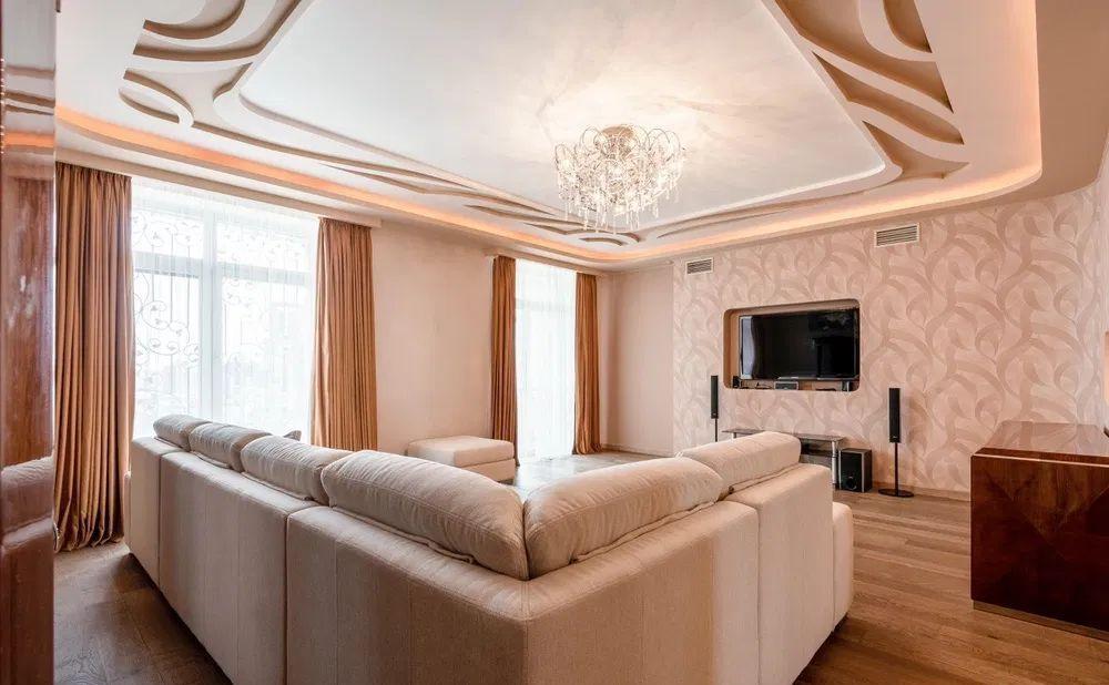 Аренда двухкомнатной квартиры Москва, метро Охотный ряд, Тверская улица 4, цена 5000 рублей, 2021 год объявление №1233918 на megabaz.ru
