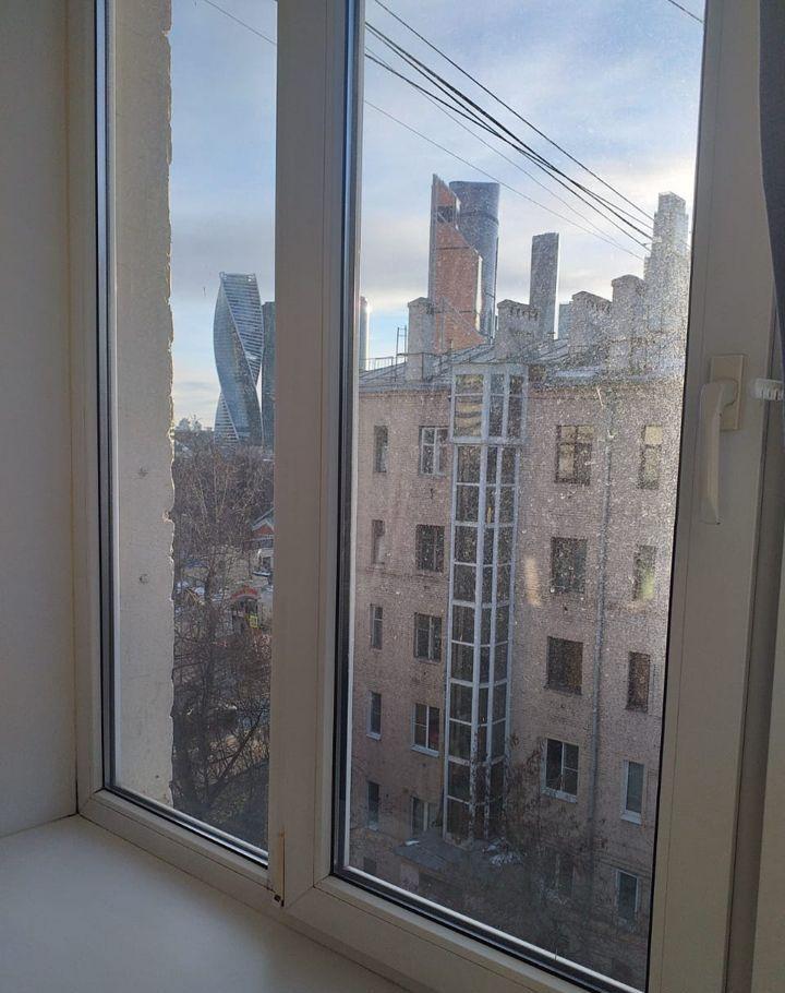 Аренда комнаты Москва, метро Выставочная, цена 24000 рублей, 2021 год объявление №1237347 на megabaz.ru
