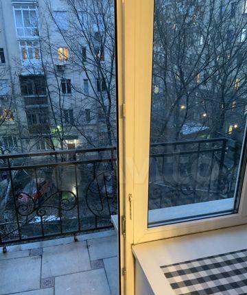 Аренда двухкомнатной квартиры Москва, метро Тверская, Большая Бронная улица 8, цена 85000 рублей, 2021 год объявление №1283839 на megabaz.ru