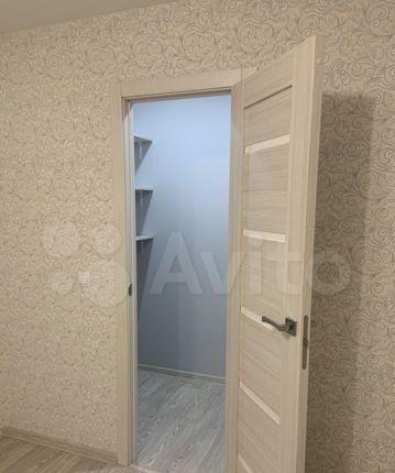 Продажа двухкомнатной квартиры поселок Чайковского, цена 2500000 рублей, 2021 год объявление №536557 на megabaz.ru