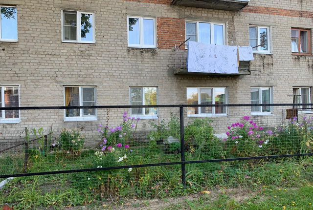 Продажа трёхкомнатной квартиры рабочий посёлок Мишеронский, Новая улица 8, цена 1400000 рублей, 2021 год объявление №570877 на megabaz.ru