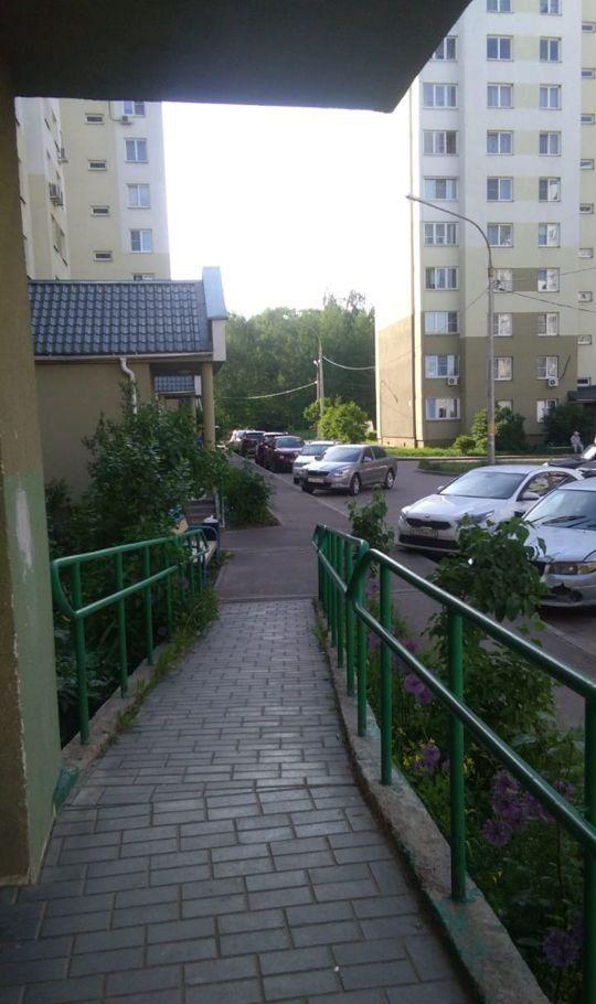 Продажа однокомнатной квартиры поселок Володарского, улица Елохова Роща 10, цена 3350000 рублей, 2020 год объявление №426050 на megabaz.ru