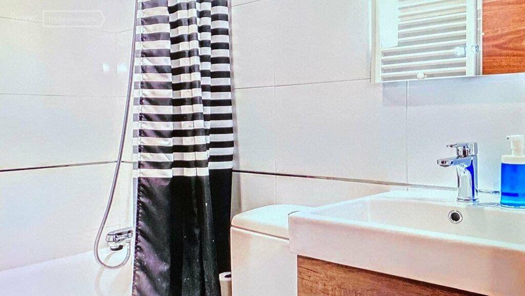 Аренда однокомнатной квартиры Москва, метро Кутузовская, Поклонная улица 2к2, цена 32000 рублей, 2021 год объявление №1360321 на megabaz.ru