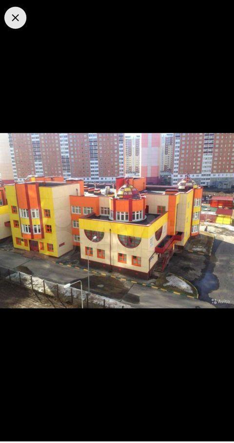 Аренда однокомнатной квартиры село Домодедово, улица Творчества 7, цена 23000 рублей, 2021 год объявление №1371562 на megabaz.ru