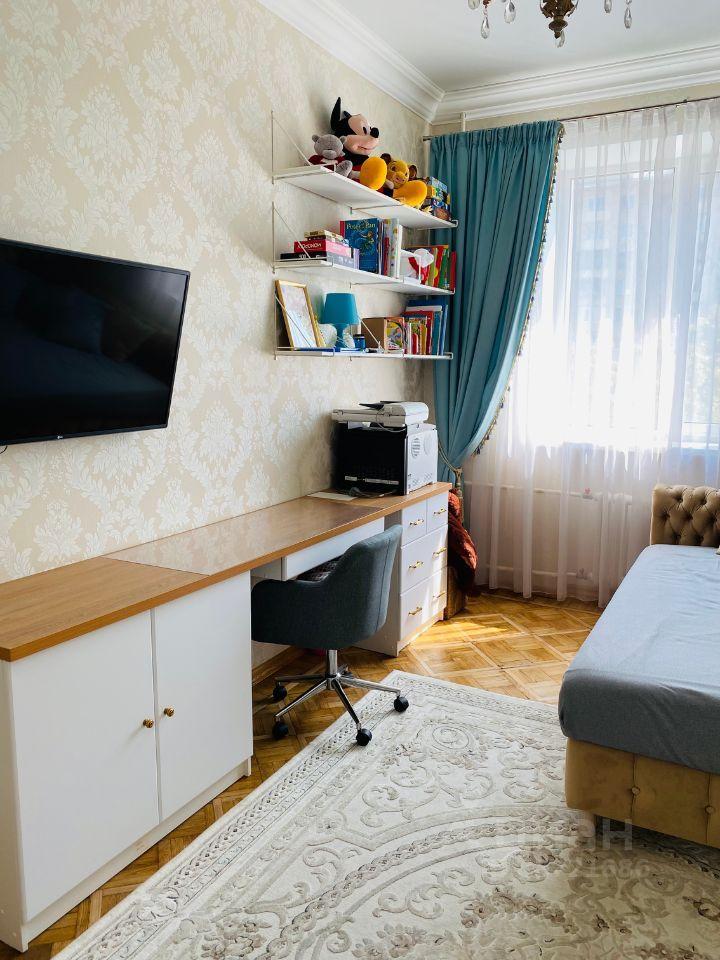 Продажа трёхкомнатной квартиры Москва, метро Варшавская, Варшавское шоссе 64к1, цена 27000000 рублей, 2021 год объявление №653086 на megabaz.ru